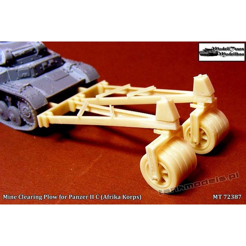 Mine Clearing Plow for Panzer II C (Afrika Korps) - Modell Trans MT72387