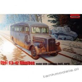 Opel Blitz 3.6-47 Omnibus model W39 Ludewig-built, early - Roden 807