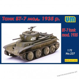 BT-7 tank mod.1935 with the P-40 - Unimodels 237