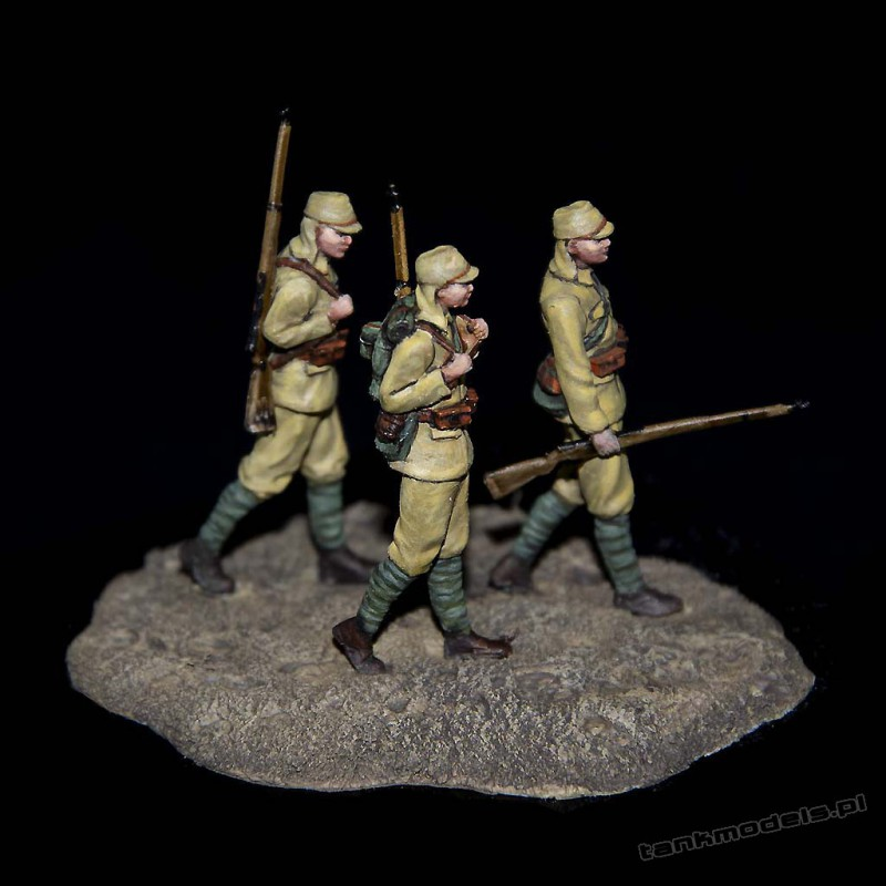 Japanese infantry soldiers in march - White Stork F72011