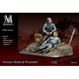 German Medic & Wounded WW I - M Model 35125